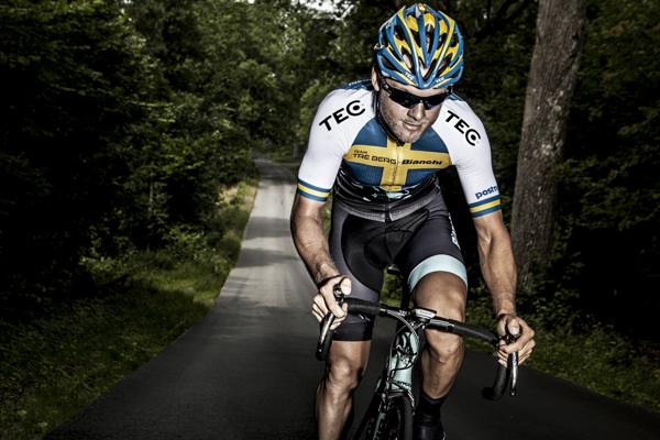 Swedish road cycling champion climbs hill in TEC gear